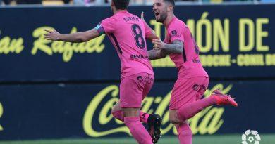 Tiró de carácter el Málaga para conseguir los tres puntos en El Carranza