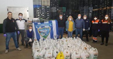 Duda y la Peña Malaguista de Torrox siguen con la recogida de alimentos para hacer frente al coronavirus