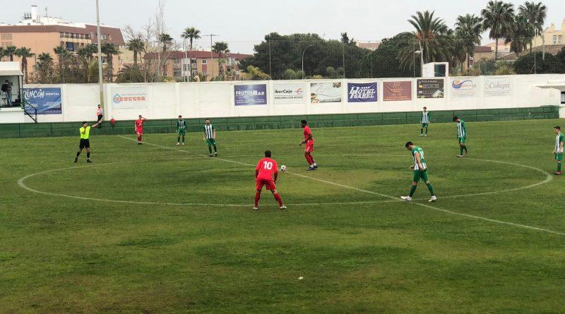 Un agonizante final entre El Palo y el Juventud Torremolinos queda sellado con un empate