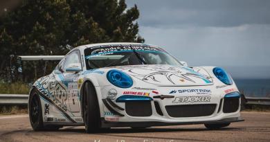Humberto Janssens con su Porsche en una competición (Foto: Manuel Bueno)