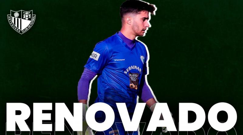 Iván Moreno seguirá siendo el muro del Antequera por una temporada más