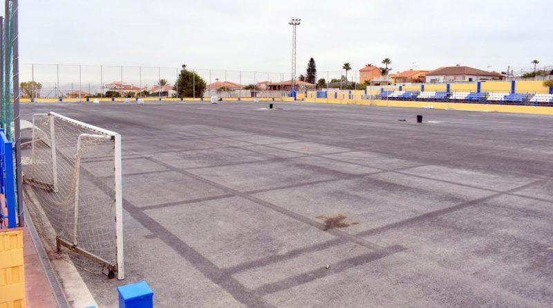 El estadio de fútbol El Pinar renovará su superficie