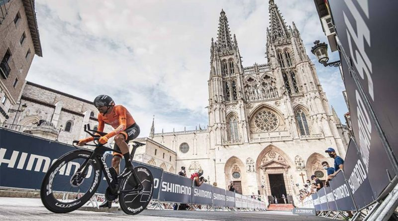 Maté hace historia con Euskaltel en el arranque de su novena Vuelta a España