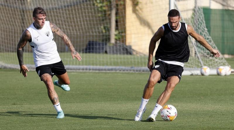 Luis Muñoz, al margen de un Málaga que vuelve a los entrenamientos en el campo de la Federación