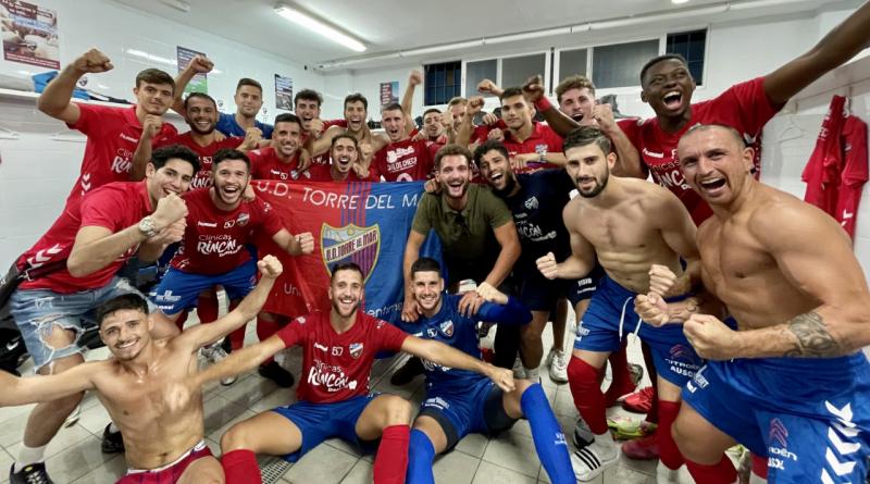 La UD Torre del Mar y el Almería B lideran la competición tras tres jornadas