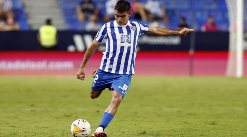 Víctor Gómez, titular con la Selección Española Sub-21 ante Eslovaquia